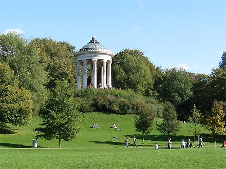 [Bild: http://www.gpswandern.de/englischergarten-m/monopteros.jpg]